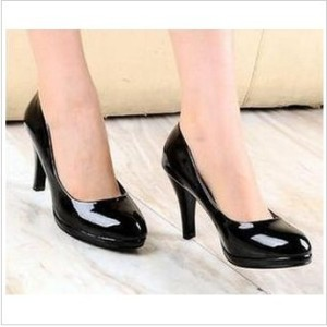 Classic Black Patent Leather Crude Heel Pumps With Round Toe